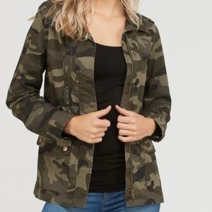❤️❤️❤️  Camouflage Jacket with Pocket ❤️❤️❤️